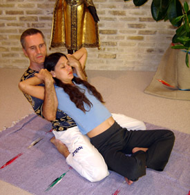 Thai Massage traction for the spine