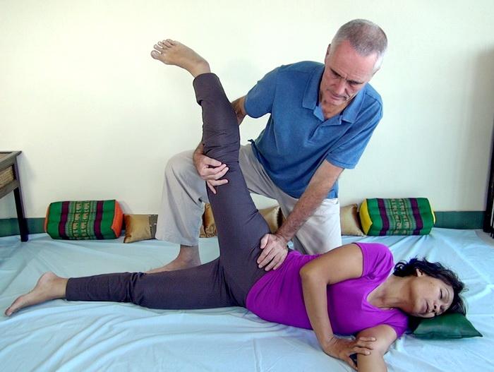 thai massage hip stretch