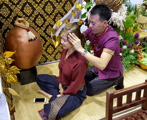 Thai Massage in sitting position