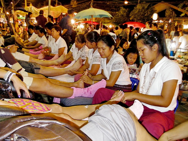 foot massage at Chiang Mai's  Sunday Market