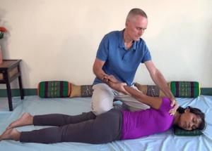 upper body twist in prone position