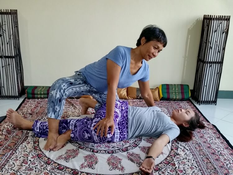Thai Massage spinal twist technique