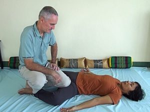hai Massage knee technique