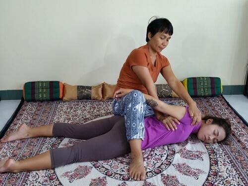 thai-massage-shoulder-stretch