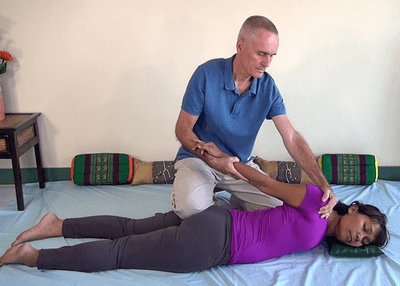 thai massage upper body twist