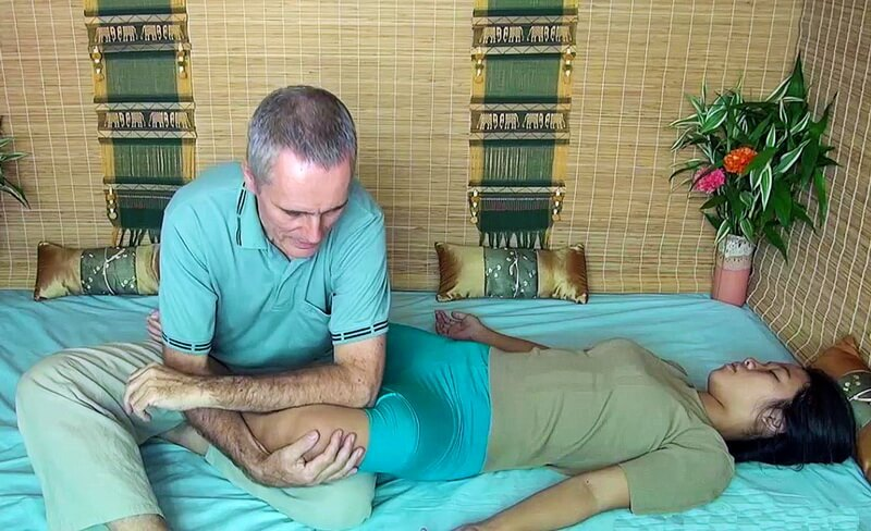 Hands free thai massage knee therapy technique